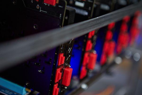 Появился софт Xrig с алгоритмом Cryptonight для видеокарт RX Vega от AMD