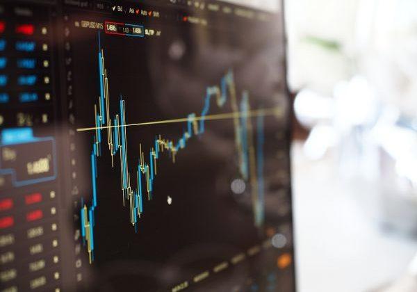 Инвесторы переходят к выжидательной тактике, биткоин просел на 3%